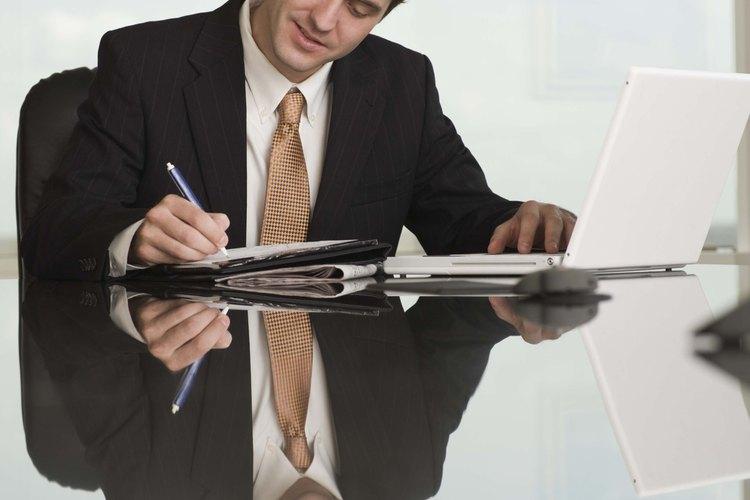 Los negocios contratan a redctores técnicos para crear propuestas y redactar materiales de instrucción.
