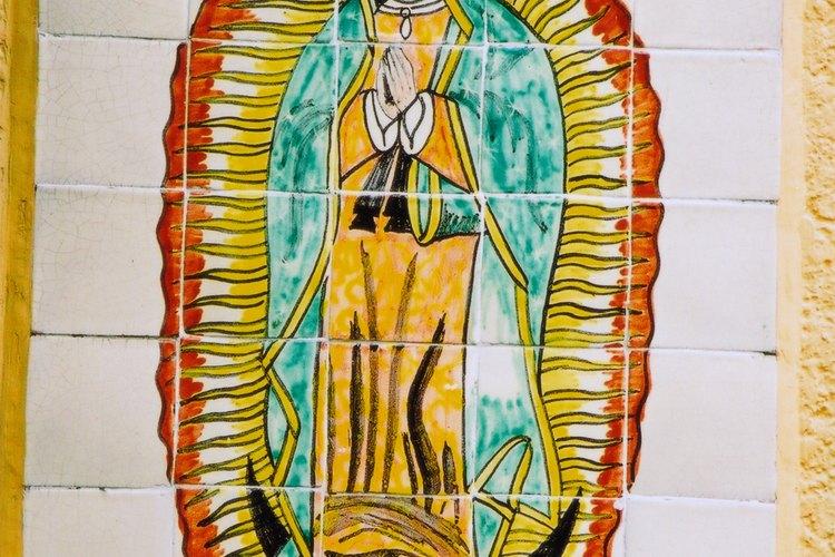 La virgen más venerada por los católicos mexicanos es la Virgen de Guadalupe.