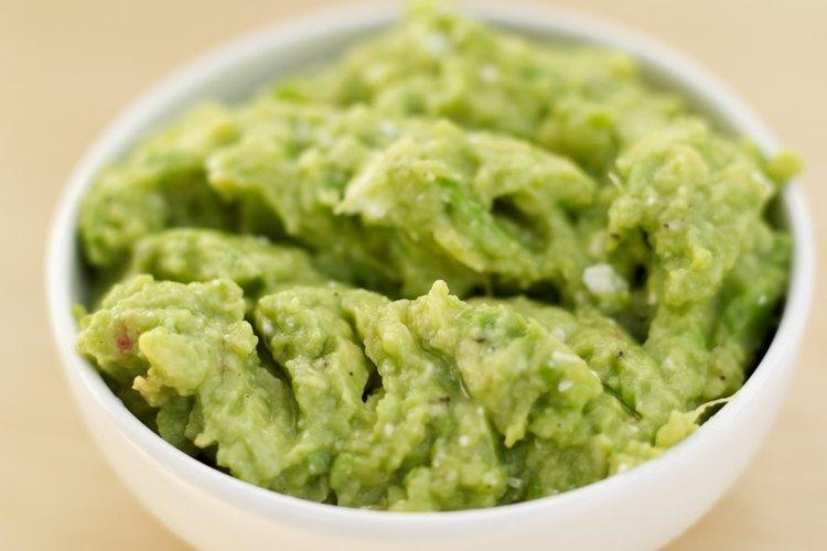 El guacamole es rico en fibra y vitamina C.