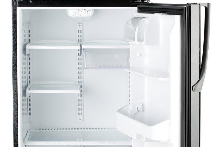 Refrigerador abierto.