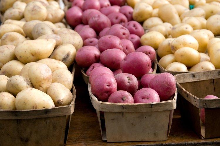 Las papas rojas son ideales para ensalada de papas.