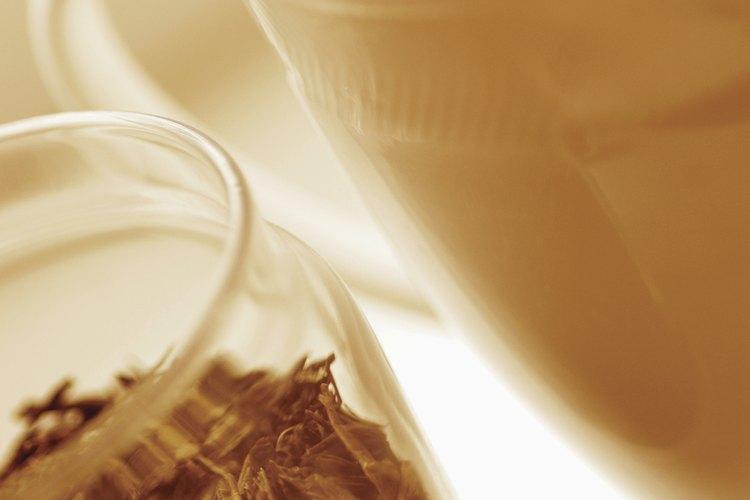 Las hojas de té son parte de la zavarka, que es la base del té ruso.