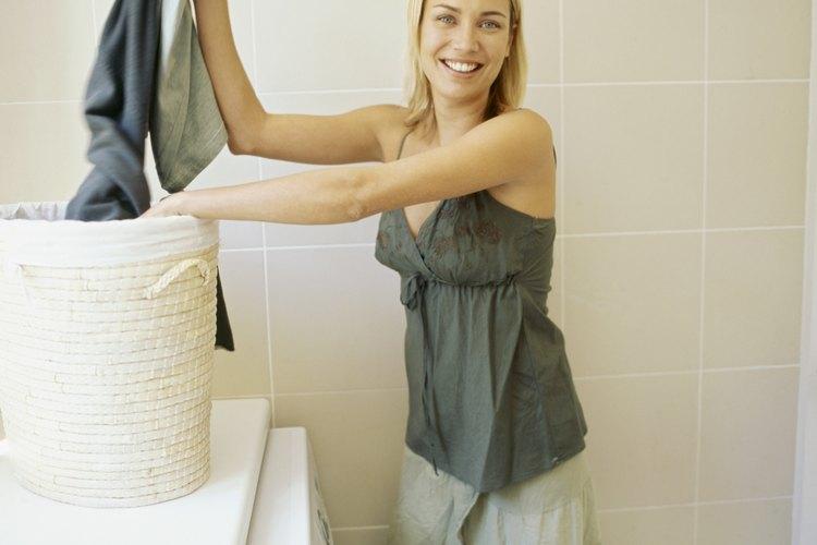 Lava la chaqueta de mezclilla en tu lavadora.