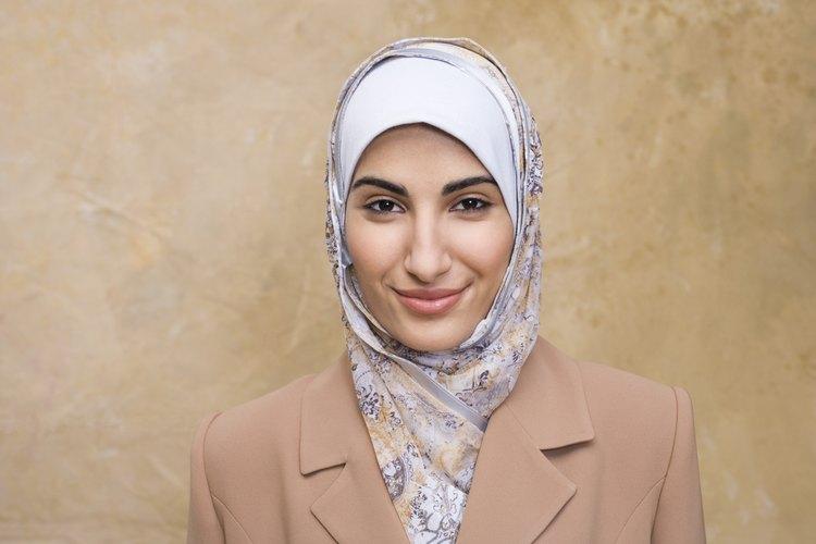 Las mujeres musulmanas tienen distintos atuendos que provienen de su cultura religiosa.