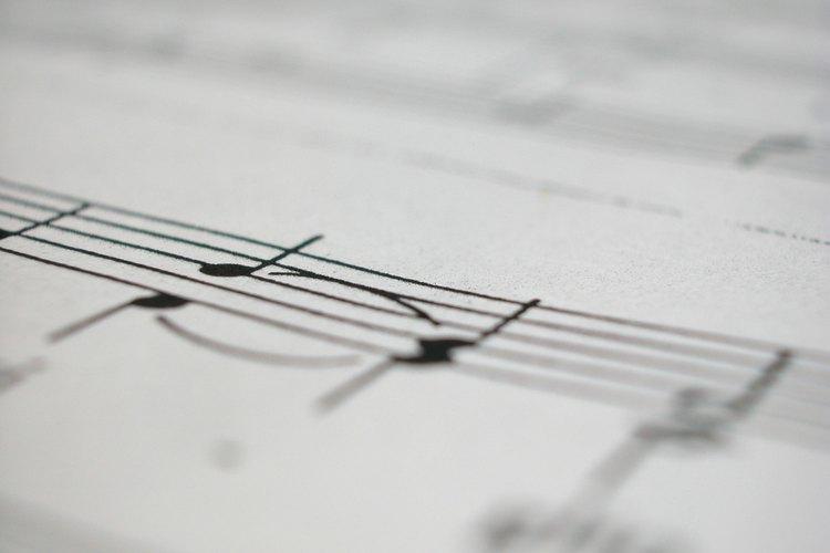 Descarga e instala MuseScore.