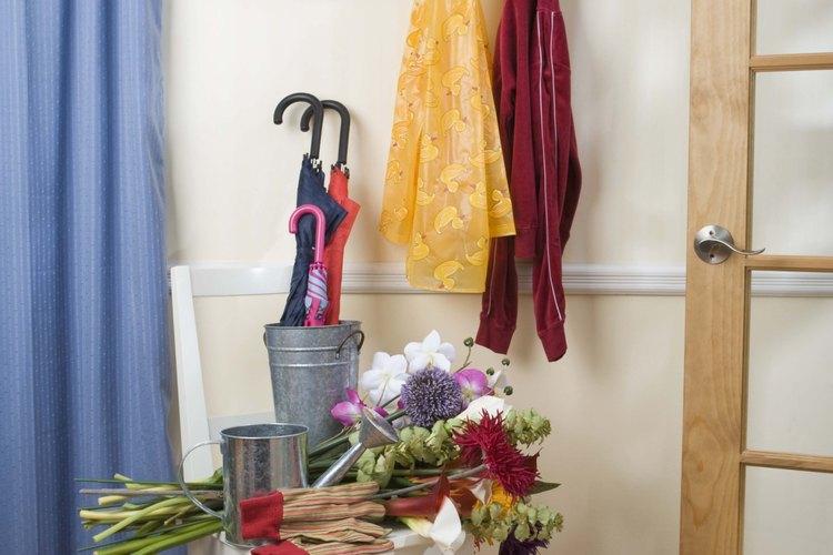 Los colores ayudan a definir a un pasillo de entrada en formal o informal.