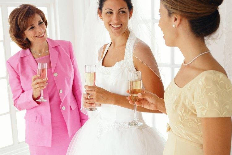La madre de la novia juega un papel importante en cualquier boda.