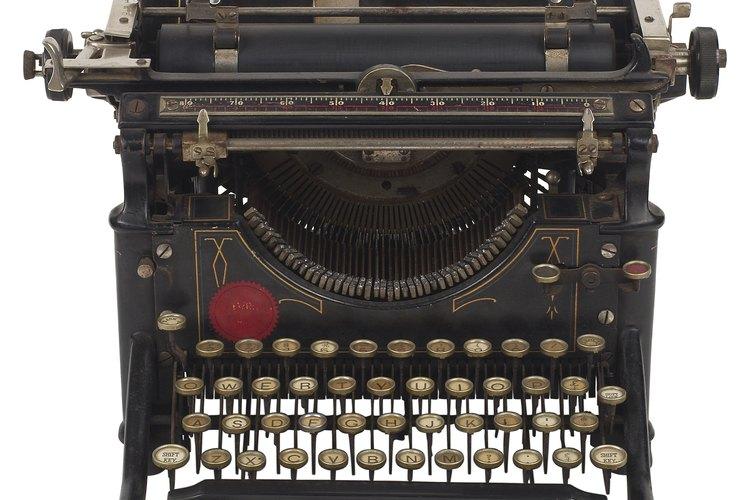 Comprueba el número de serie bajo el carro de la máquina de escribir.
