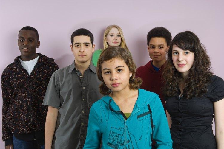 Los jóvenes necesitarán fuertes habilidades de rechazo para resistir la presión de grupo.