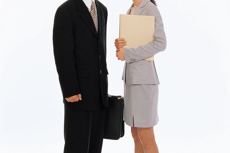 Vestirse de forma adecuada es una parte importante del trabajo de una secretaria legal.