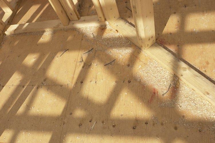 La madera contrachapada bien preparada puede ser una base sólida para las baldosas de cerámicas.