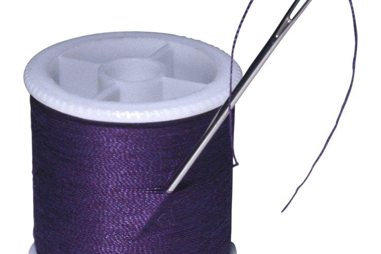 Algunas fundas nórdicas vienen unas presillas o broches que sujetan el edredón de forma segura.