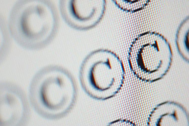 Los niños aprenden acerca de las leyes de derechos reservados en Internet a través de lecciones interactivas.