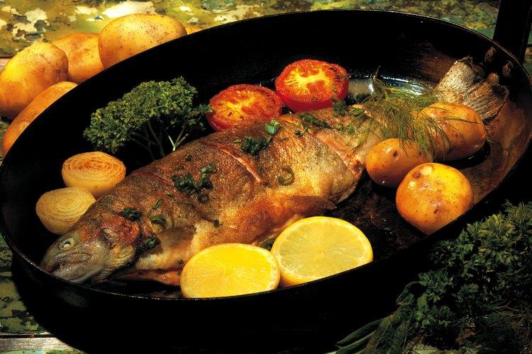 Reduce el olor a pescado en tu cocina.