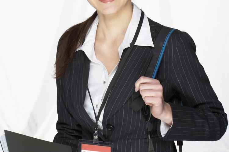 Actualiza tu currículum y da a conocer tu mejor obra característica.