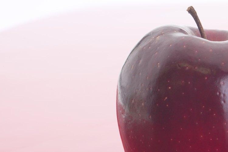 Una manzana grande tiene 25 g de azúcar.