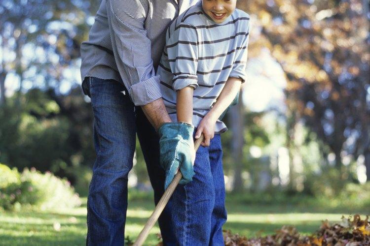 Considera la edad de tu hijo antes de asignar los precios a las tareas, de acuerdo a la Family Education.