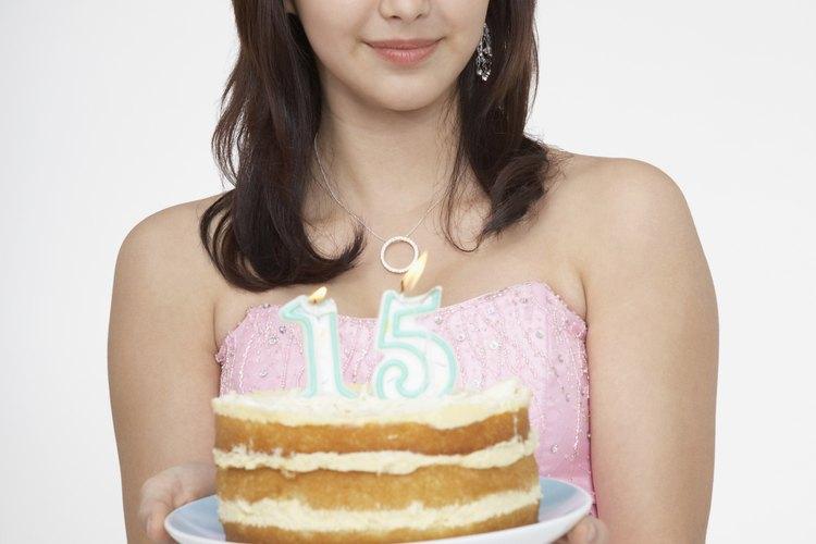 Planifica no solo los alimentos, sino también las actividades para la fiesta de quinceañera que estás celebrando.