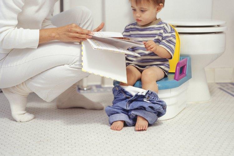 C mo ense ar a ir al ba o a un ni o de 15 meses de edad - Ejercicios para ir al bano rapido ...