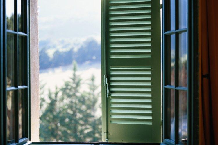 Una ventana abierta puede ser peligrosa para los niños.