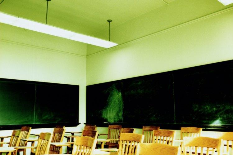 El debate continúa sobre la posible conexión entre luces fluorescentes y problemas de comportamiento.