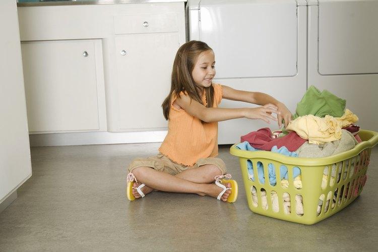 Los pequeños pueden elegir las tareas del lavado de ropa del frasco.