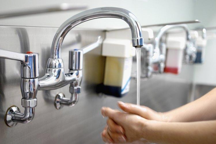 Lava tus manos antes de preparar alimentos.