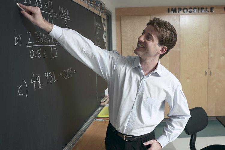 Necesitarás una licenciatura de educación si quieres obtener la certificación para enseñar en las escuelas públicas.