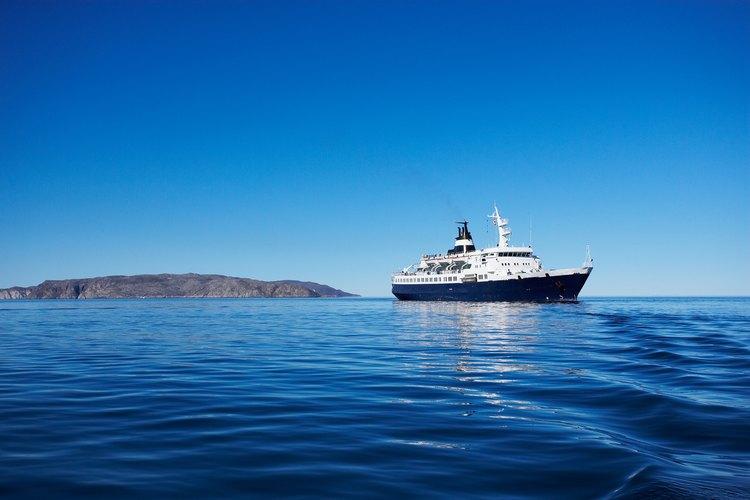 Los cruceros por el Caribe tienen mucho que ofrecer no sólo a los clientes, sino también a los empleados.