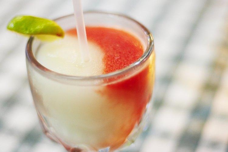 Agregar un licor con sabor puede disfrazar el sabor del alcohol.
