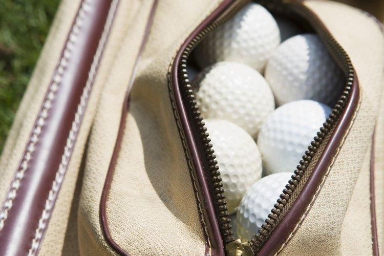 Si juega al golf, regala accesorios relacionados a su deporte preferido.