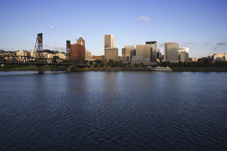 La vida nocturna tiene distintas formas en Portland, Oregon.