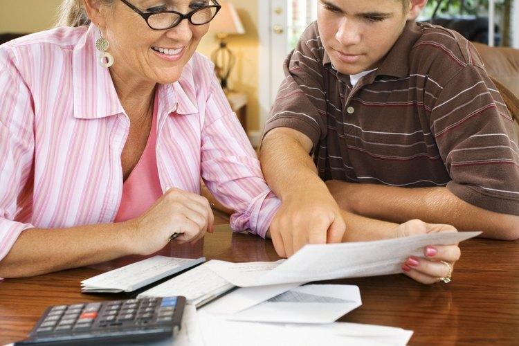 Hablar con tu adolescente sobre finanzas personales le enseña responsabilidad.