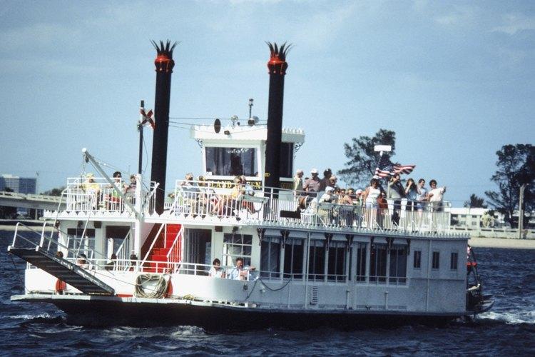 Hoy en día, pocos barcos de vapor recorren los caudales de agua de los Estados Unidos.