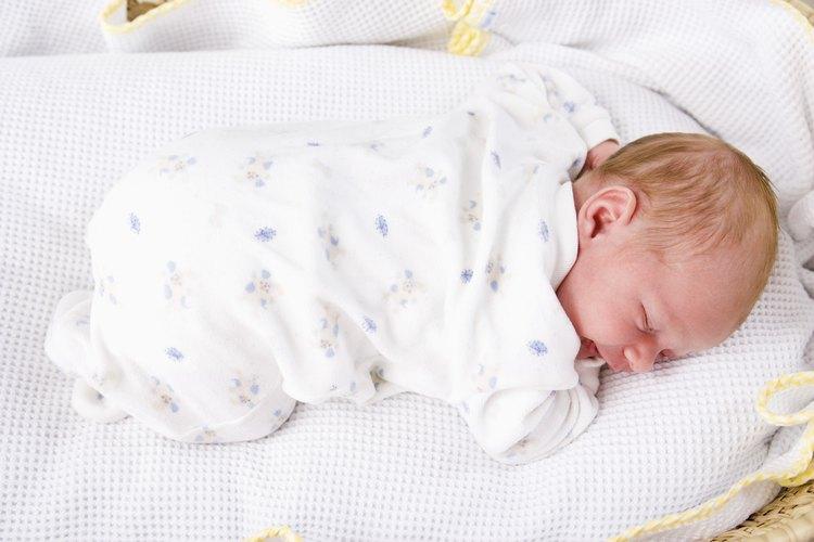 Tu bebé puede dormir más durante uno de estos crecimientos acelerados.