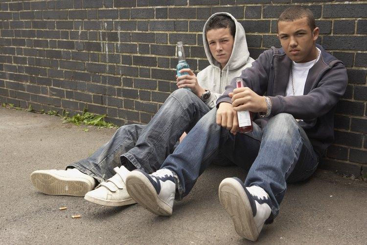 Según la FTC, los bebedores adolescentes son dos veces más propensos a tener relaciones sexuales.