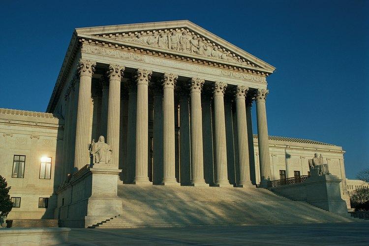 El edificio de la Corte Suprema de los Estados Unidos incorpora los elementos clásicos de la arquitectura griega.