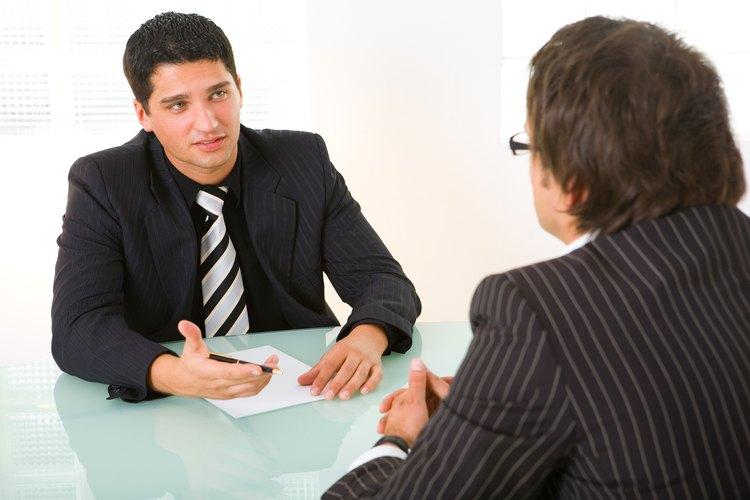 Generalmente, las preguntas cerradas y abiertas son utilizadas en las entrevistas.