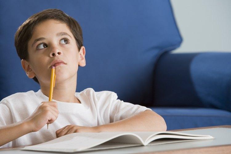 Para enseñar a tu hijo a ser ingenioso, mira a los demás como un ejemplo, y algunos lugares son mejores para mirar que los libros de cuentos de sus personajes favoritos.