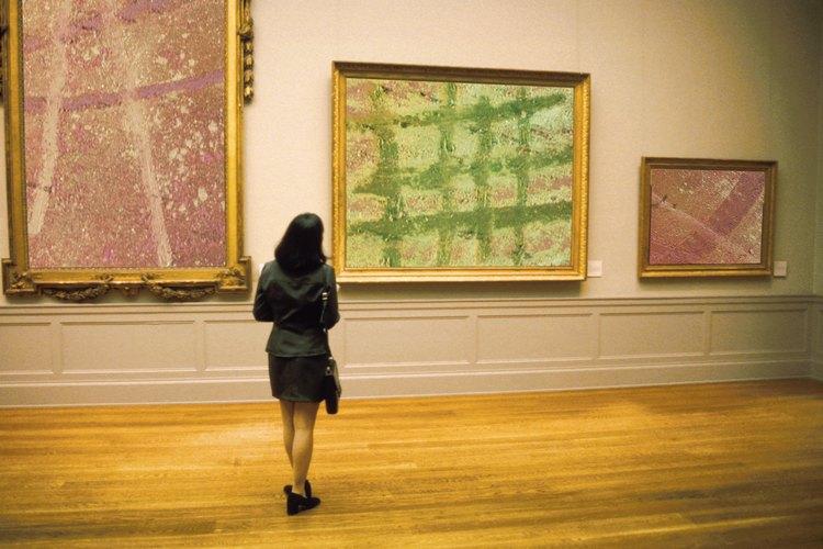 Visitar un museo es una actividad que puedes realizar con personas discapacitadas mentalmente.