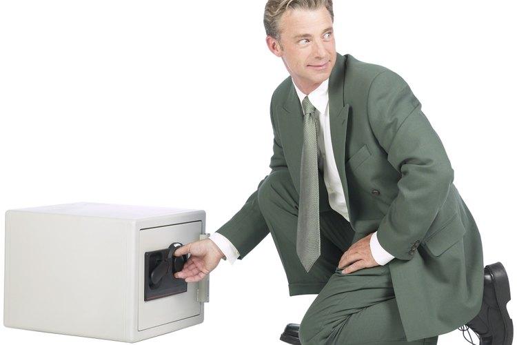 Confronta a un compañero de trabajo cuando lo veas robar en la empresa en la que trabajas.