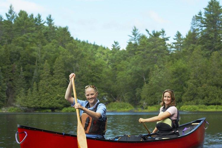Explora la costa inglesa o la enorme red fluvial en una canoa.