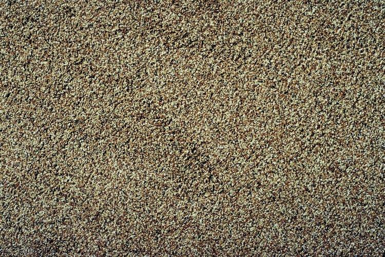 Compra arena limpia para mezclar en pintura y así crear una textura.