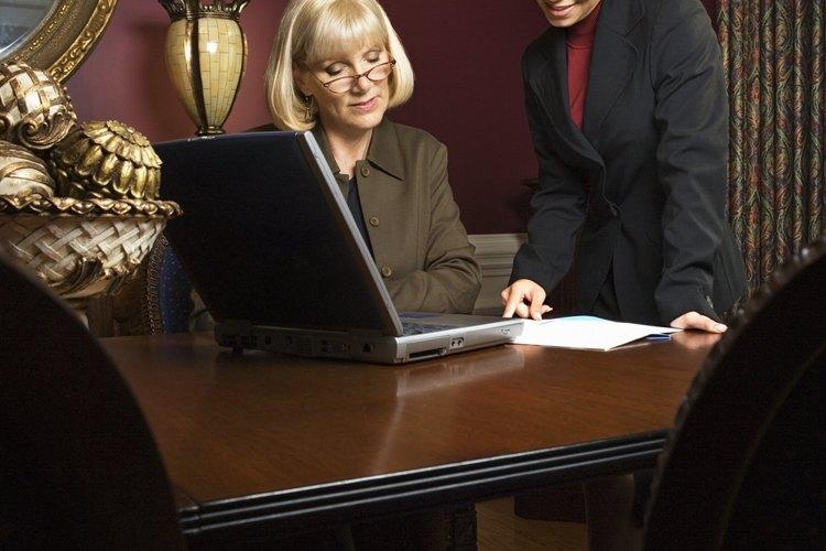 Diseña un proceso de nominación de empleados.