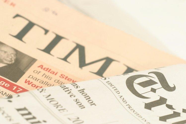 Un periódico es una publicación regularmente programada que provee información sobre eventos actuales.