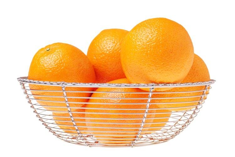 Elige buenas frutas para preparar el jugo.