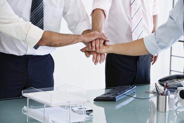Los activos intangibles tales como un buen trabajo en equipo importan tanto como los activos tangibles.
