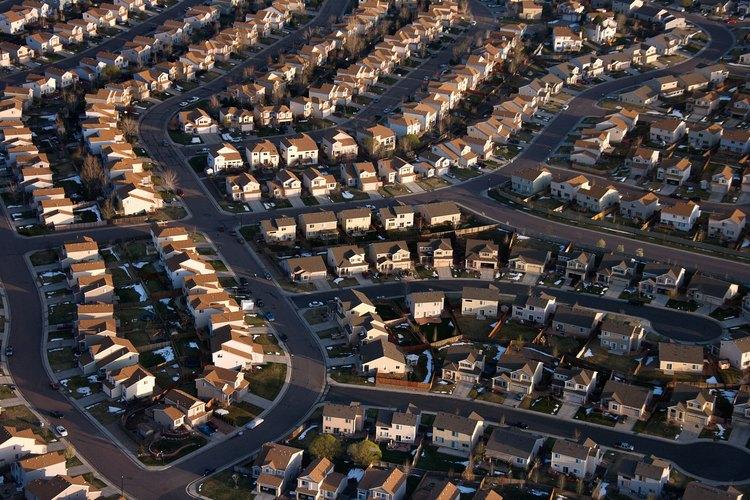 Una zona suburbana es un barrio residencial situado a las afueras de una ciudad.
