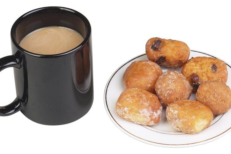 Comienza el día con unas rosquillas fritas y café.