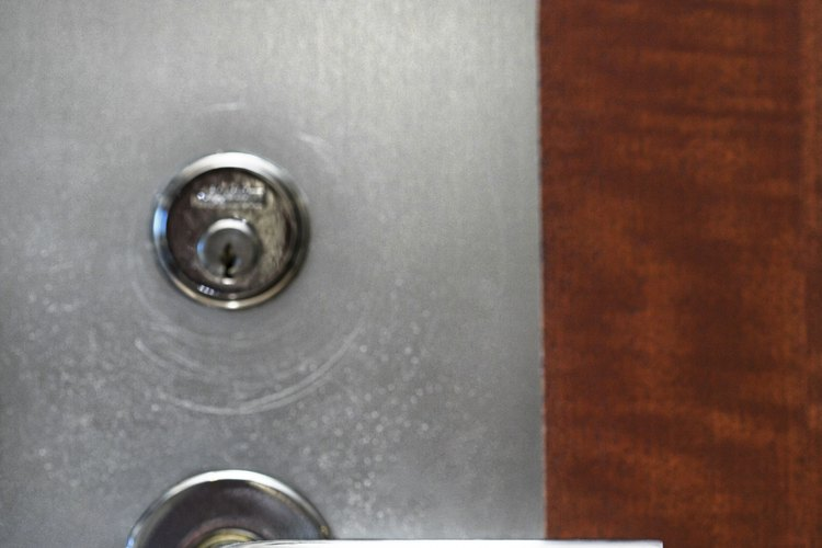 Ejecuta el filtro y abre la válvula de purga de aire en la parte superior.